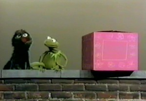 Sesame street Kermit-earlyGrover-in